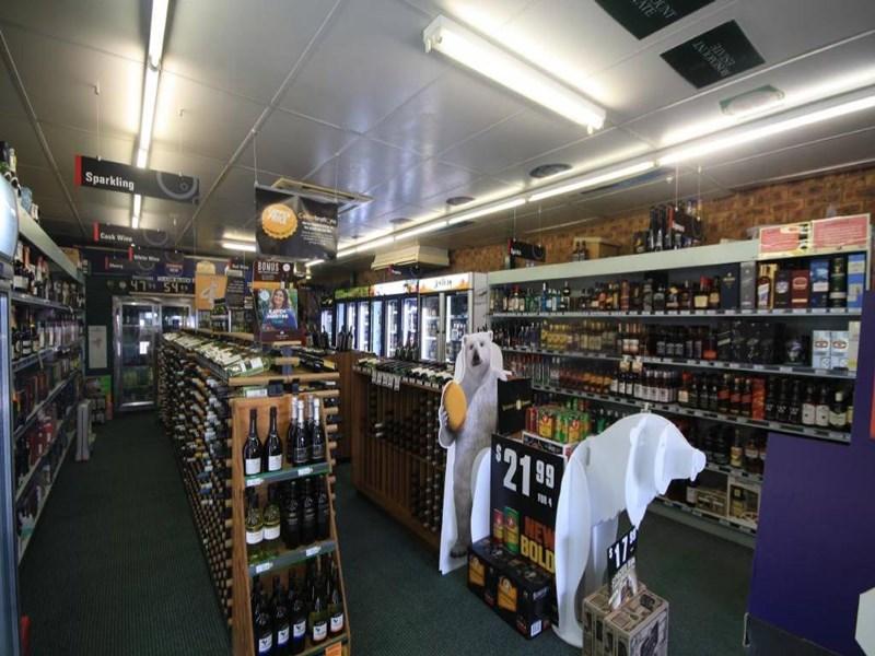 Shop6ValleyFair New England Highway, Aberdeen NSW 2336, Image 1