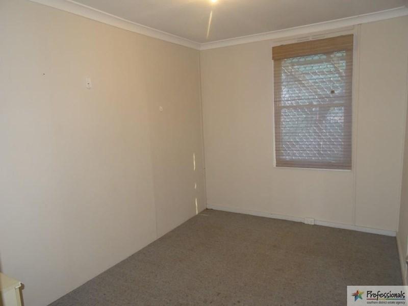 34 Throssell Street, Collie WA 6225, Image 2