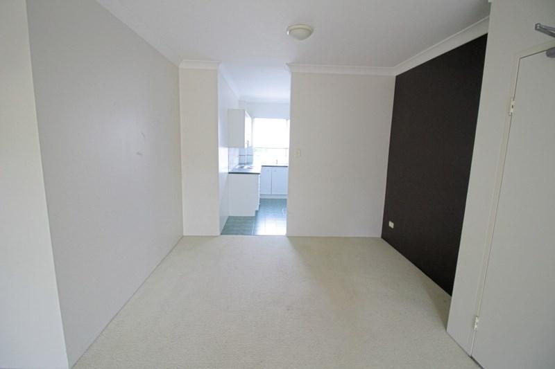 4/2a Walton Crescent, Abbotsford NSW 2046, Image 2
