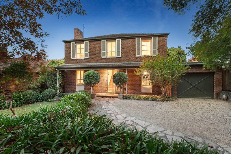 Picture of 8 Avenel Road, Kooyong