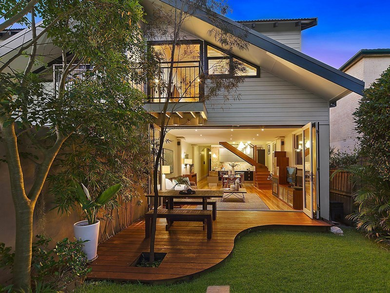 Sold 41 hayberry street crows nest nsw 2065 on 12 feb for Crows nest house plans