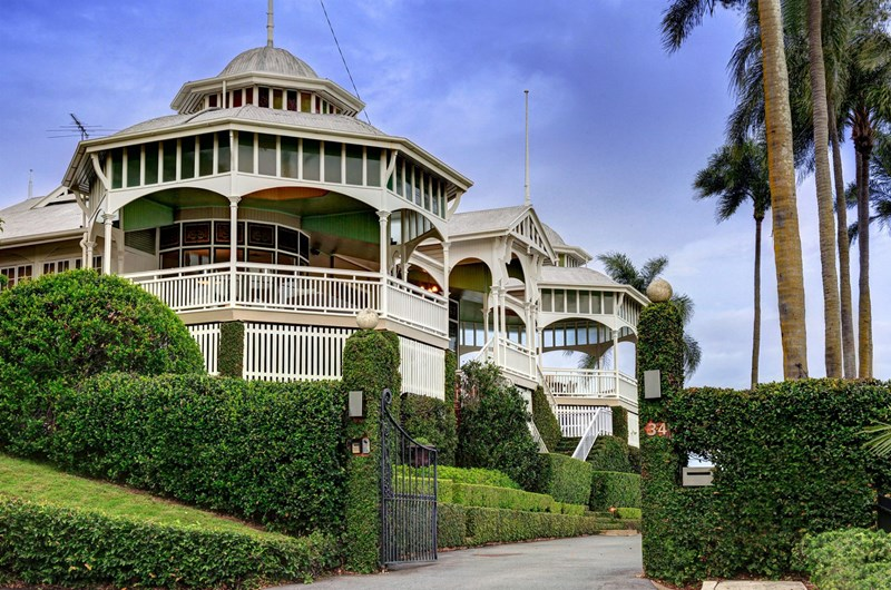 This Queenslander is one of the most spectacular timber houses in Brisbane: Cremorne, heritage-listed Hamilton Hill riverfront mansion at 34 Mullens Street, Hamilton QLD 4007, sold for over $7 million on 18 December 2015