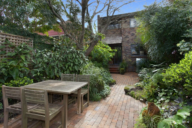 Sold 57 burlington street crows nest nsw 2065 on 31 aug for Crows nest house plans