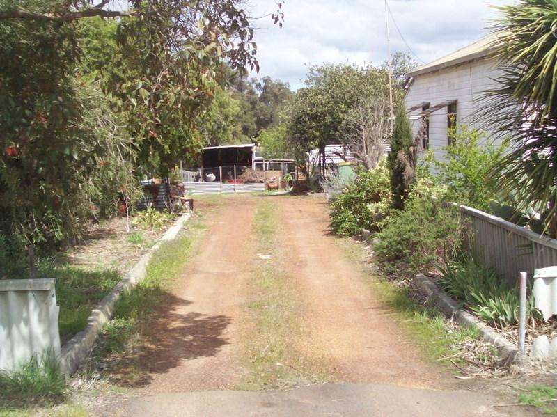 9 Davis Street, Collie WA 6225, Image 1