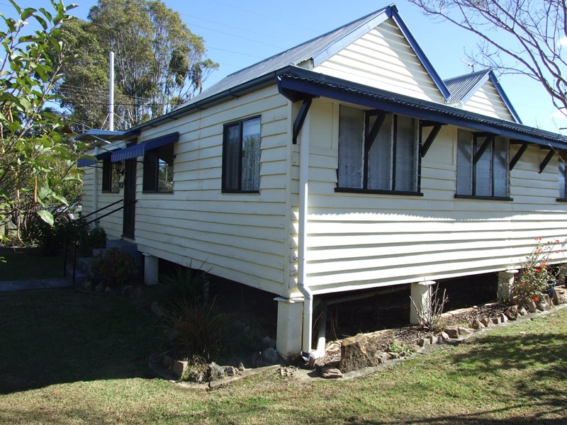 18 john street crows nest qld 4355 house for sale for Crows nest house plans