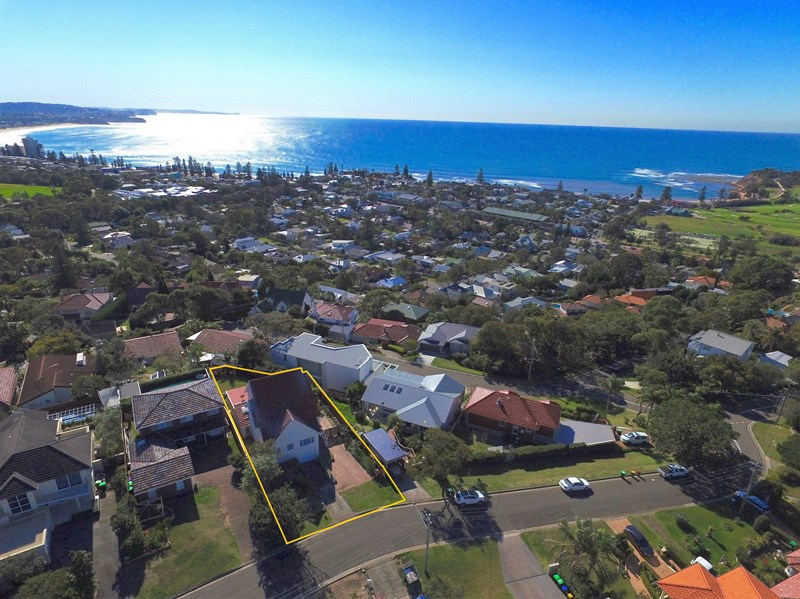 4 Norfolk Avenue, Collaroy NSW 2097, Image 2