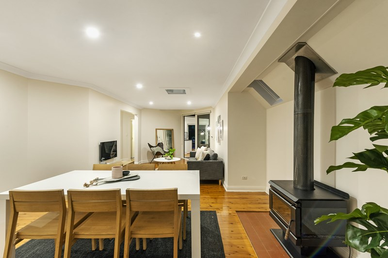 Sold 8 108a beattie street balmain nsw 2041 on 01 feb for A w beattie dining room