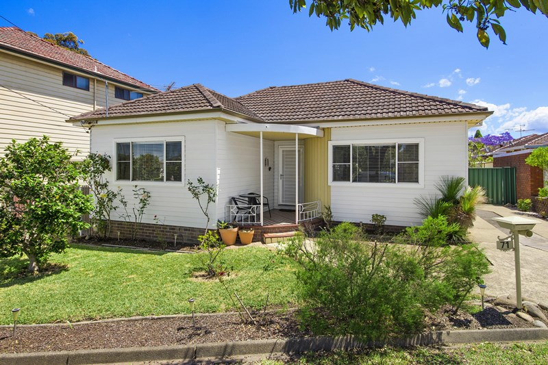 Photo of 71 Mountview Avenue Beverly Hills, NSW 2209
