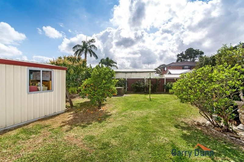 Sold 2012365972 in chipping norton nsw 2170 on 26 oct for Perfect kitchens chipping norton