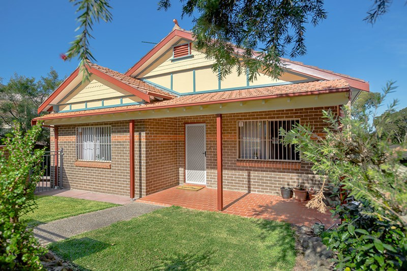 Picture of 1/138 Greenacre Road, Greenacre